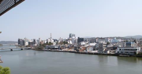 部屋からの眺望(大橋川側)